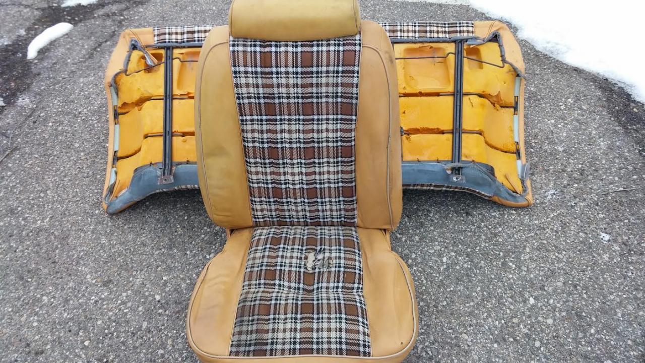 Name:  FairStang Original Plaid Bucket Seat.jpg Views: 259 Size:  219.4 KB